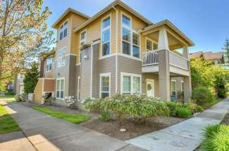 7711 Fairway Ave SE, #201, Snoqualmie, WA  98065