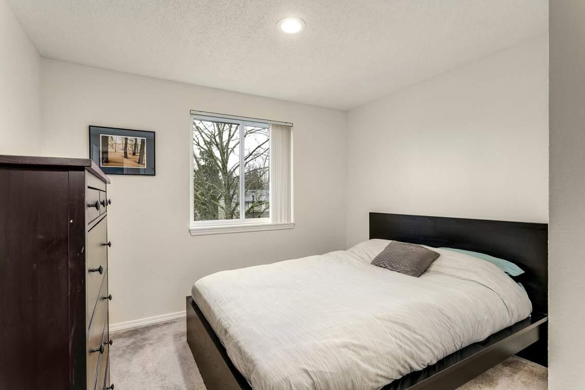 16-Bedroom