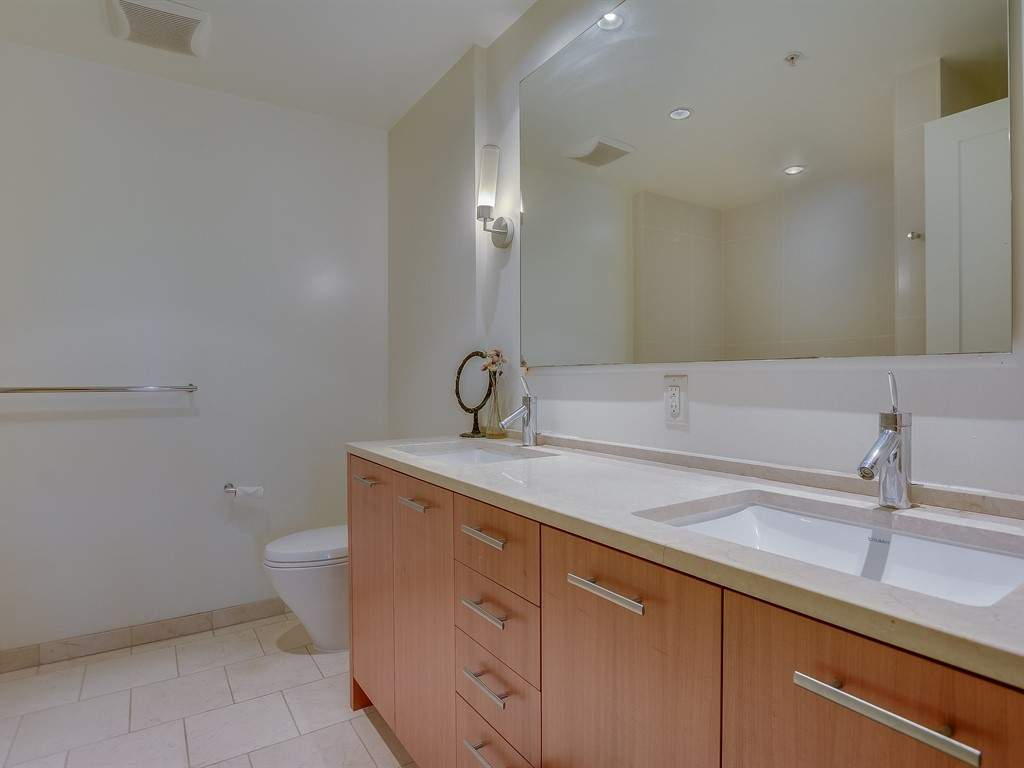 013_Bathroom