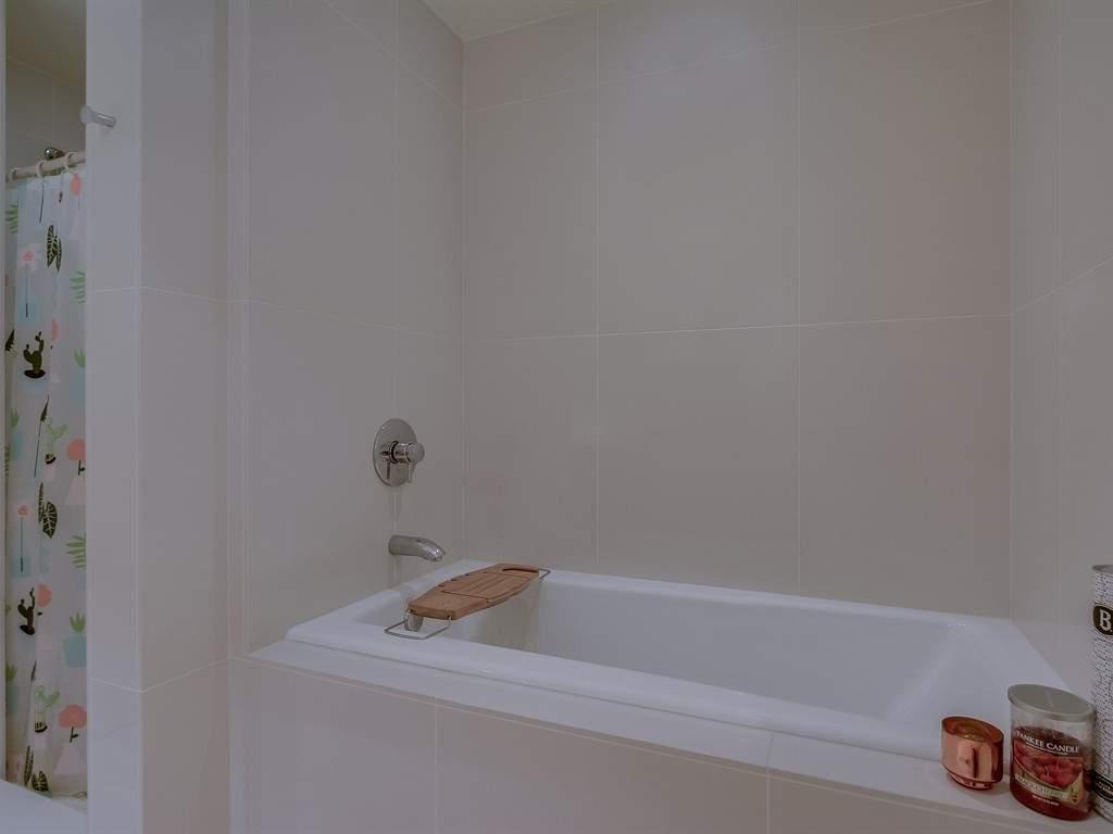 014_Bathroom-2