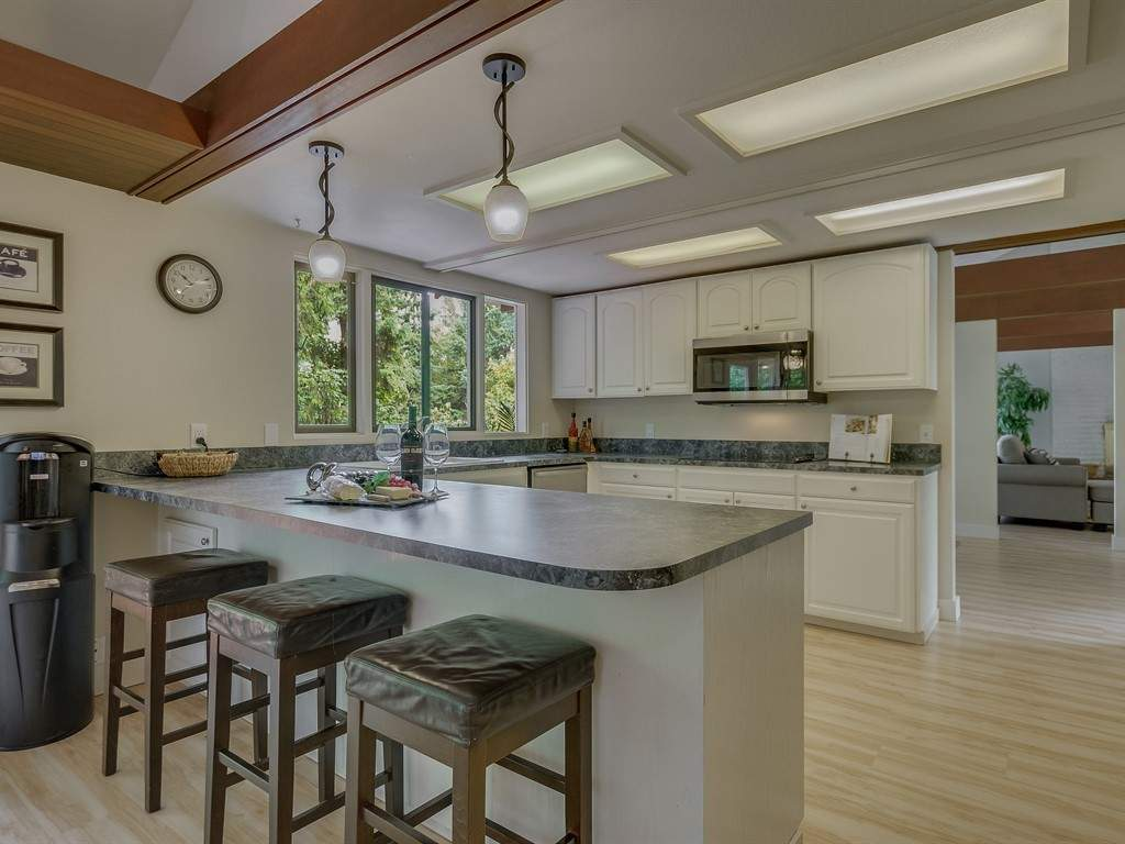 008_Kitchen