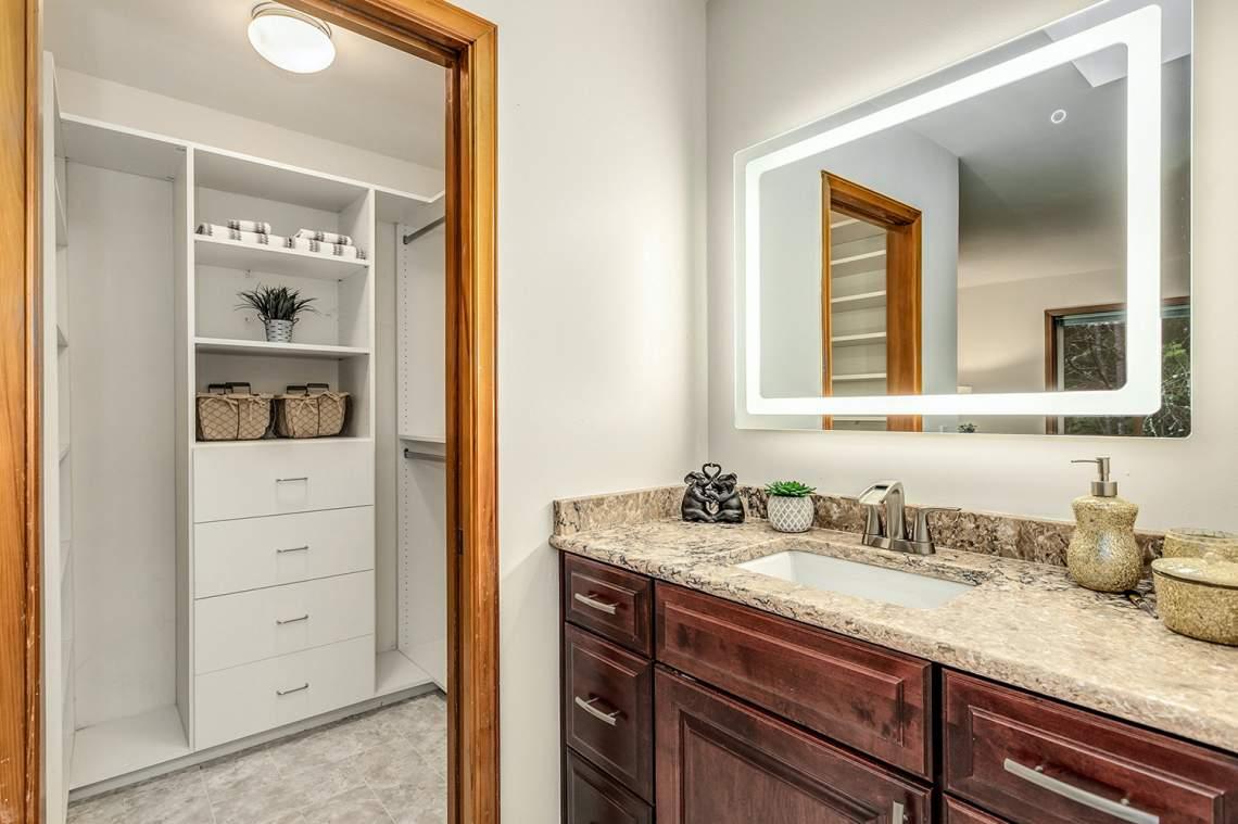 19-Master-Bath-Closet