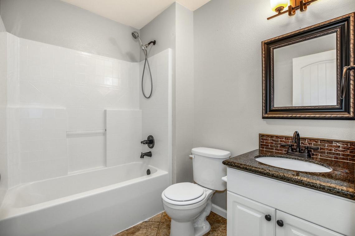 18-Guest-Bathroom-