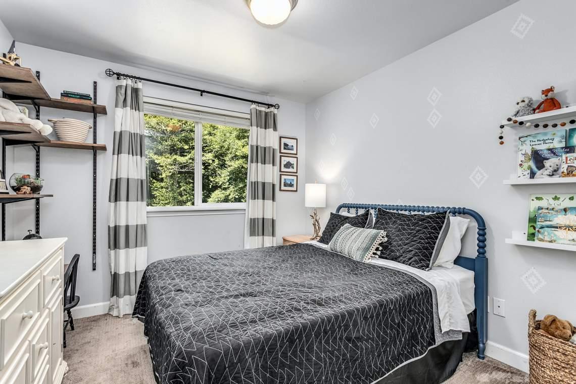 18-Guest-Bedroom-1