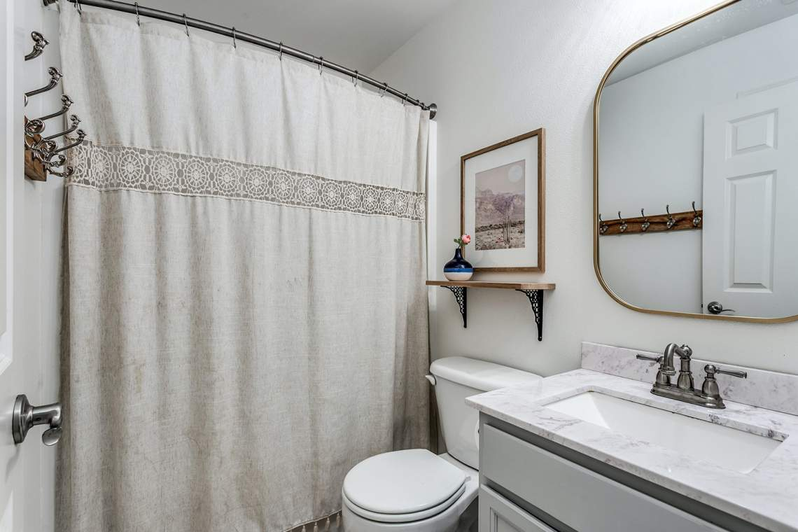 20-Guest-Bathroom
