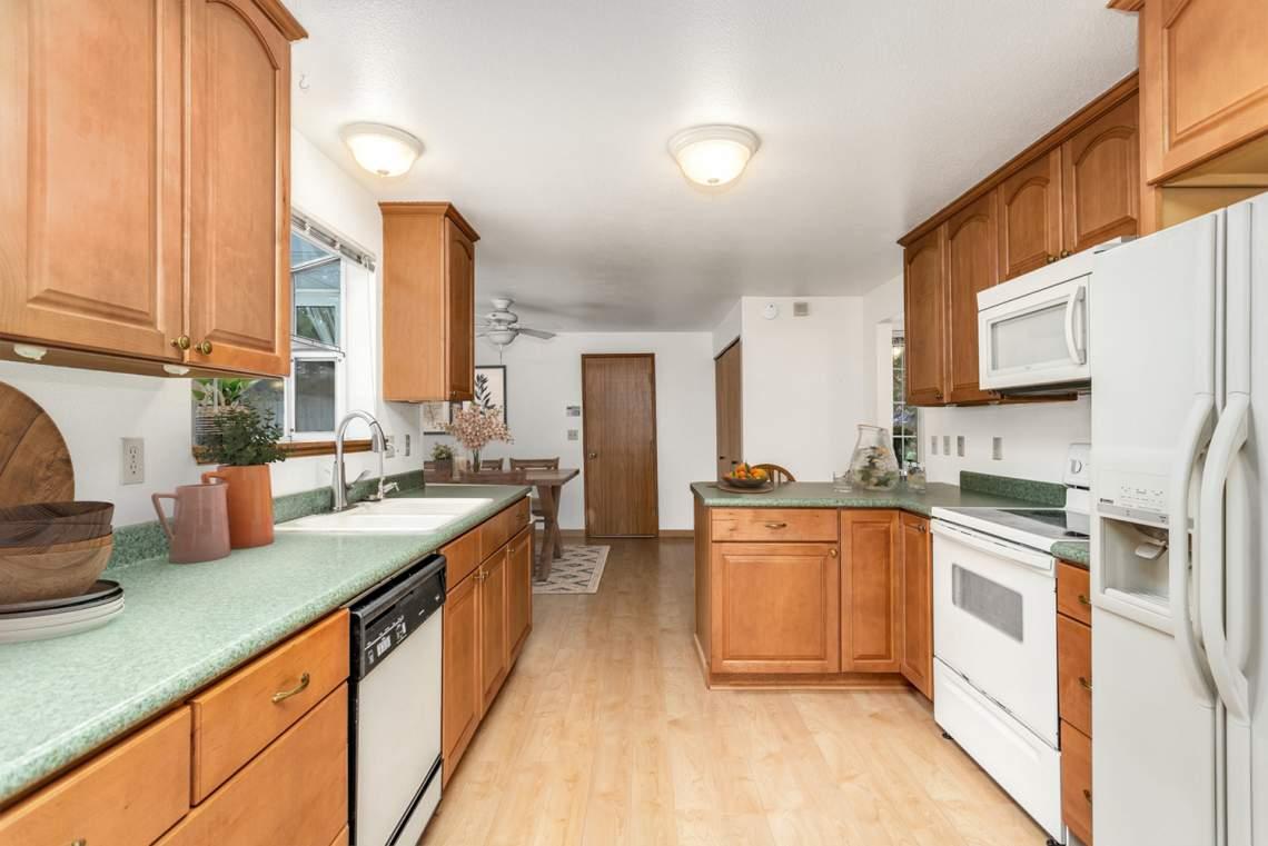 10-Kitchen-VS