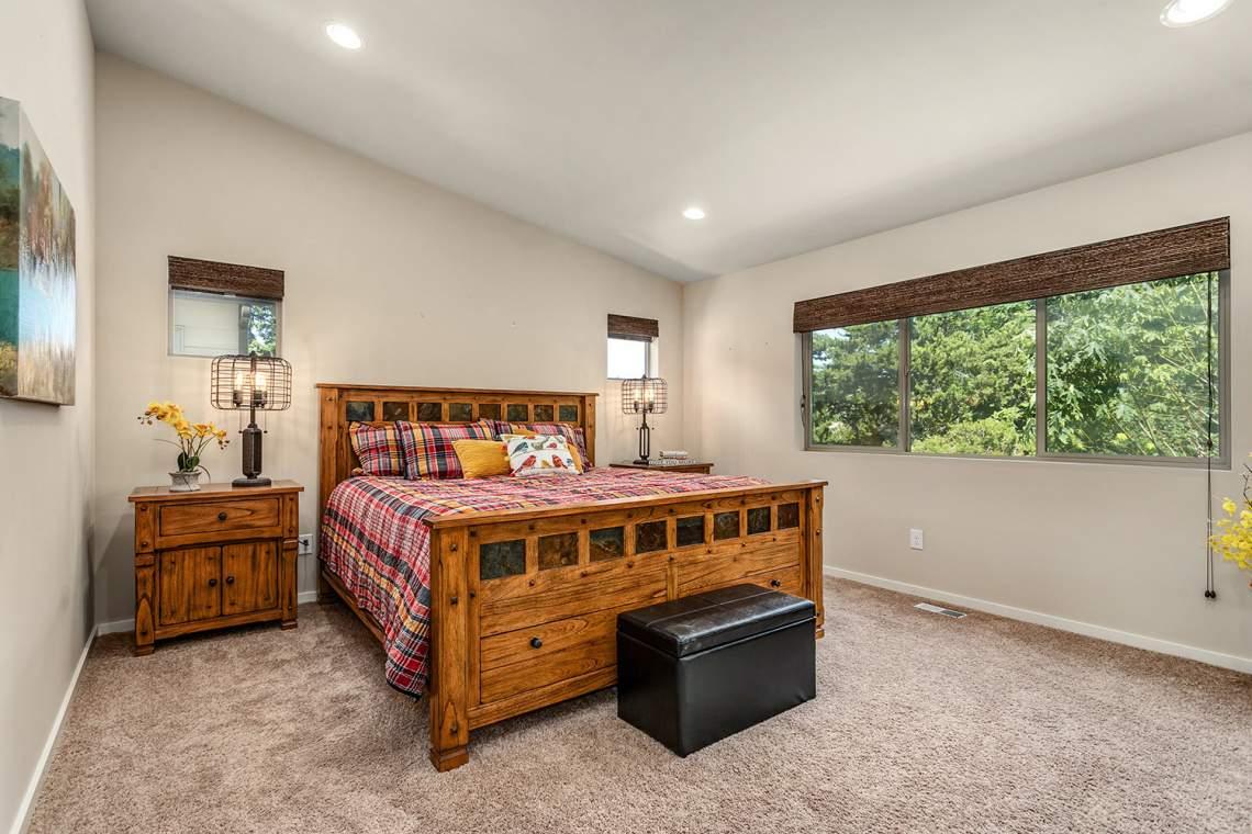 17-Primarty-Bedroom
