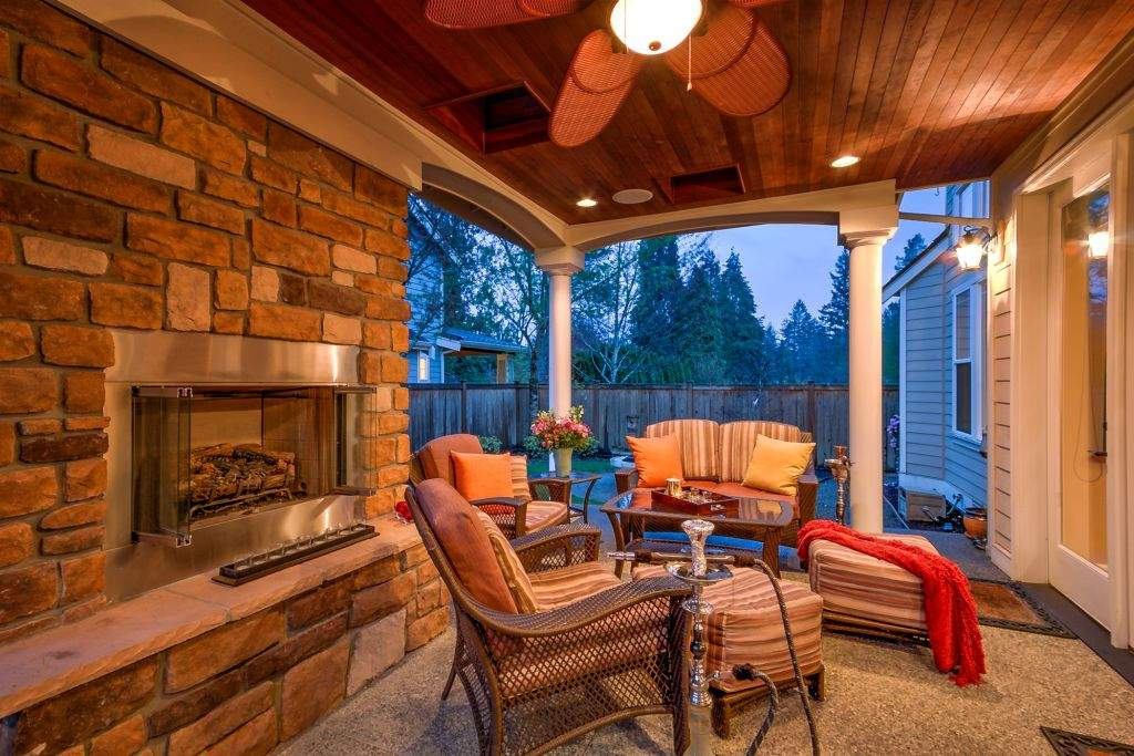 24 Covered Patio w FP