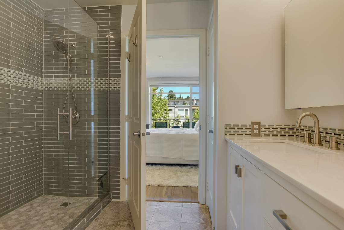 012_Bathroom-2