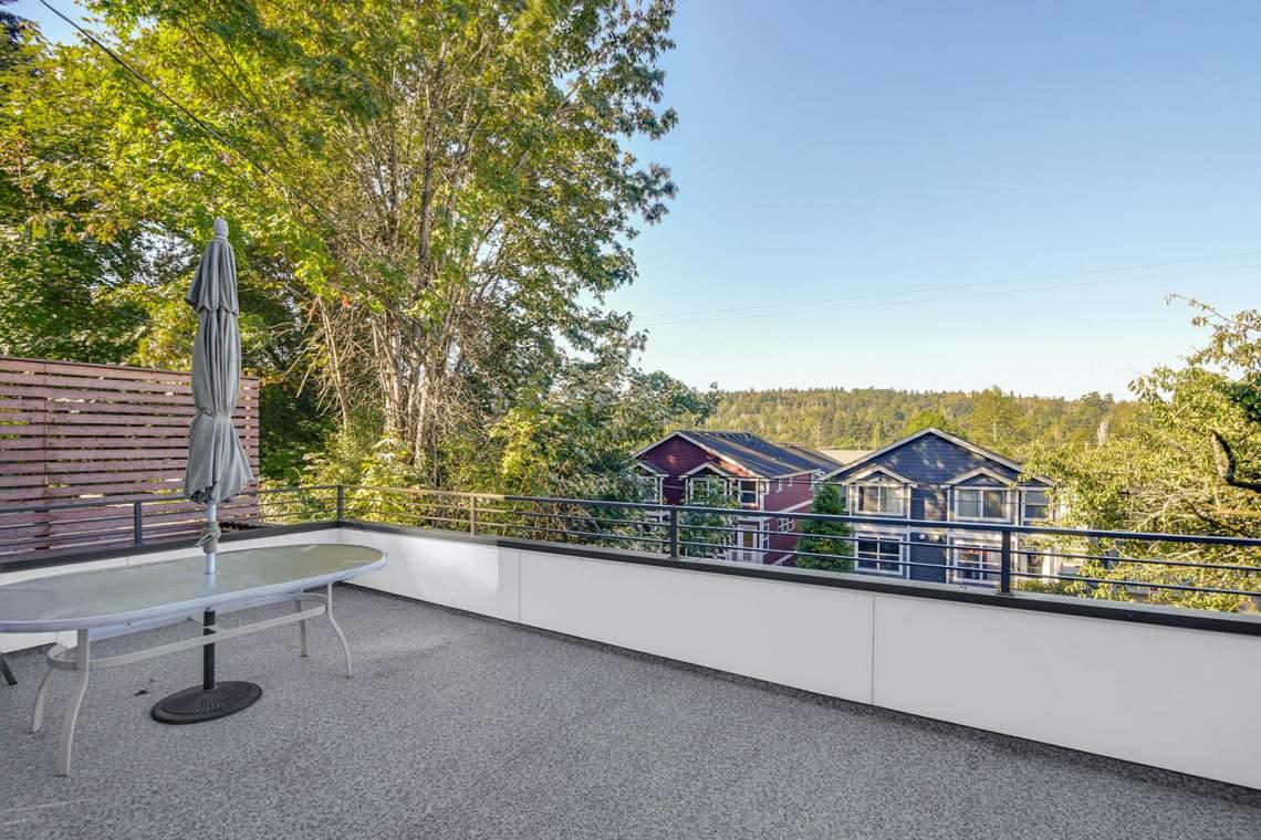27-Rooftop-Deck
