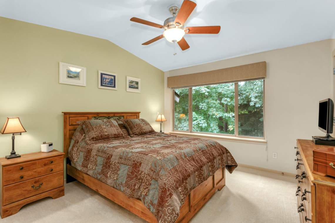 11-Masters-Bedroom