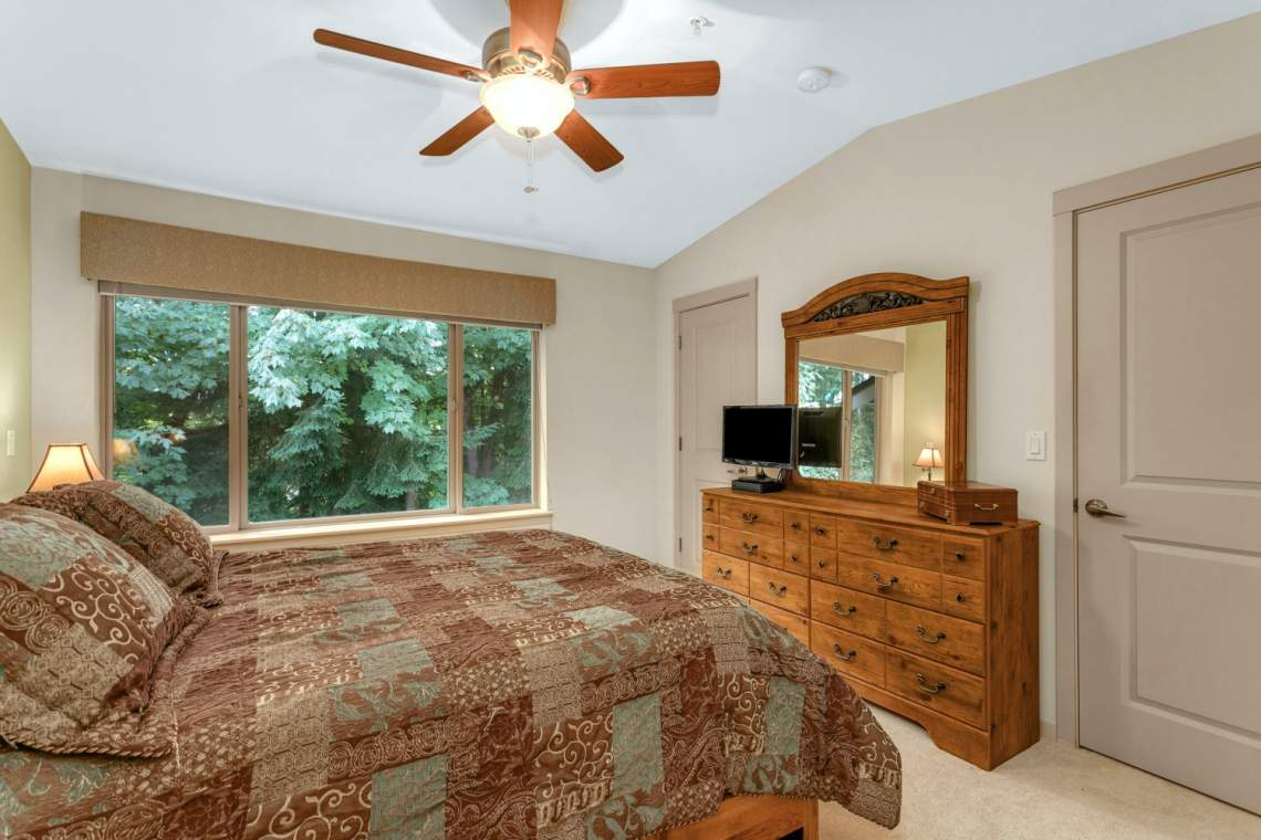 13-Masters-Bedroom