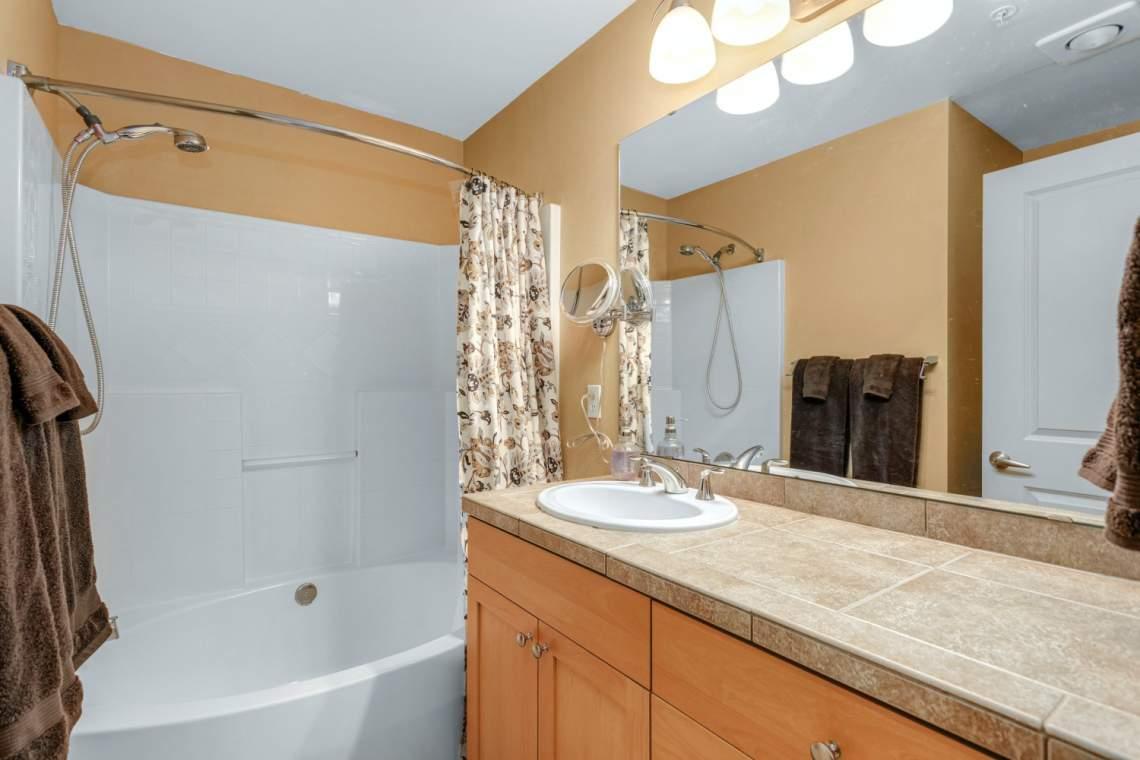 14-Masters-Bathroom