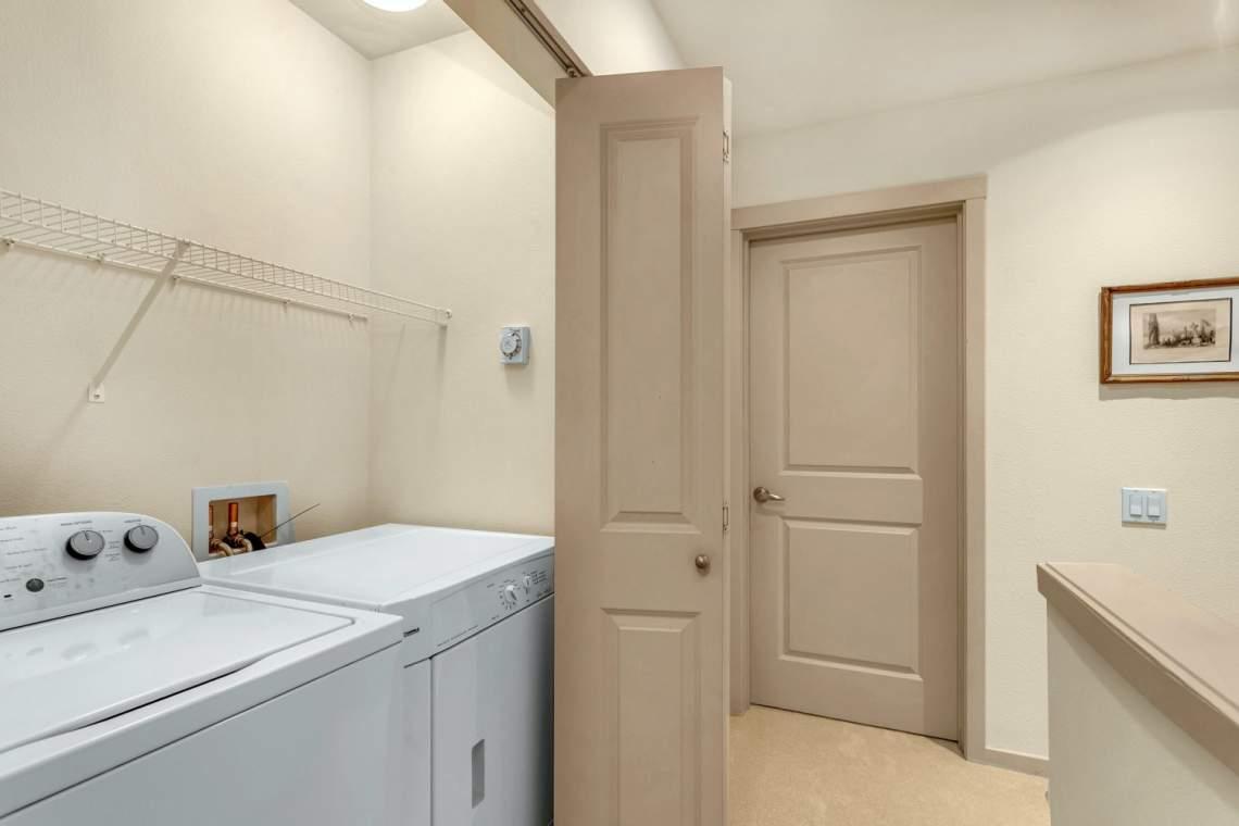 19-Laundry-Room