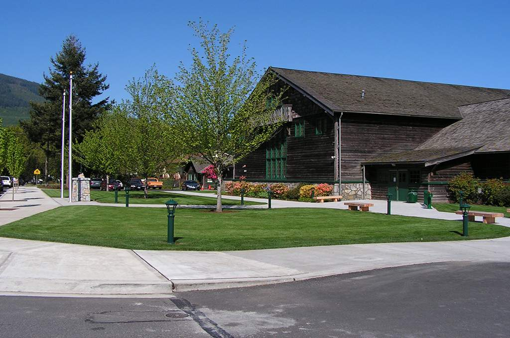 Mount Si Pool and Recreation Center