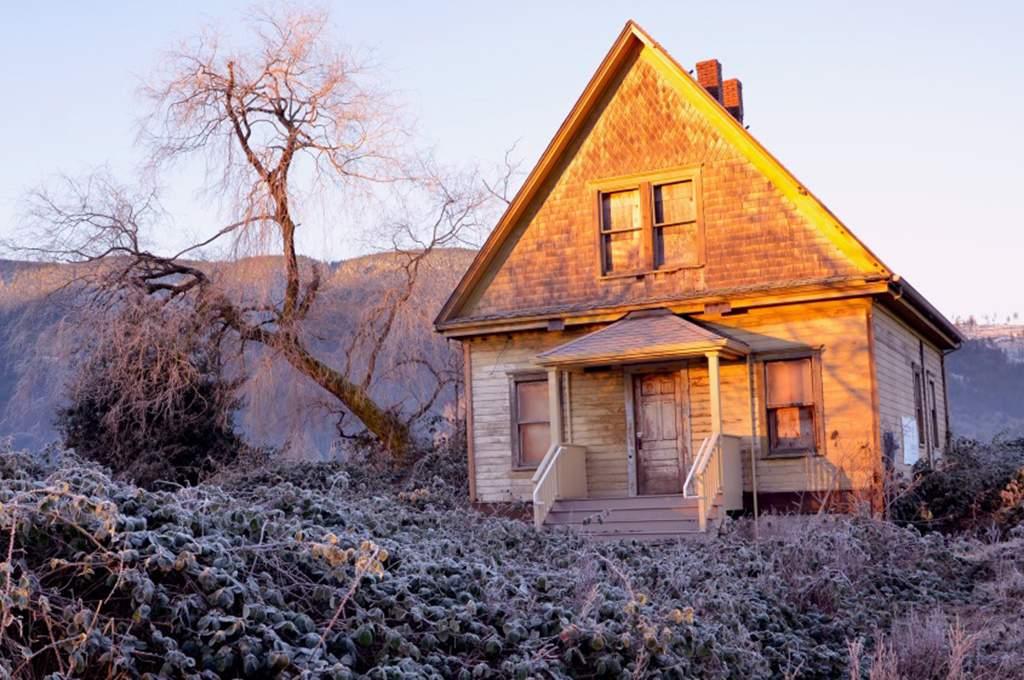 Tollgate Farmhouse in Winter