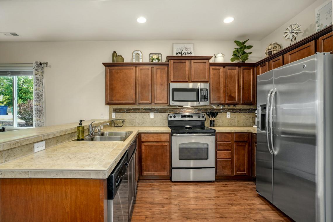009-Kitchen