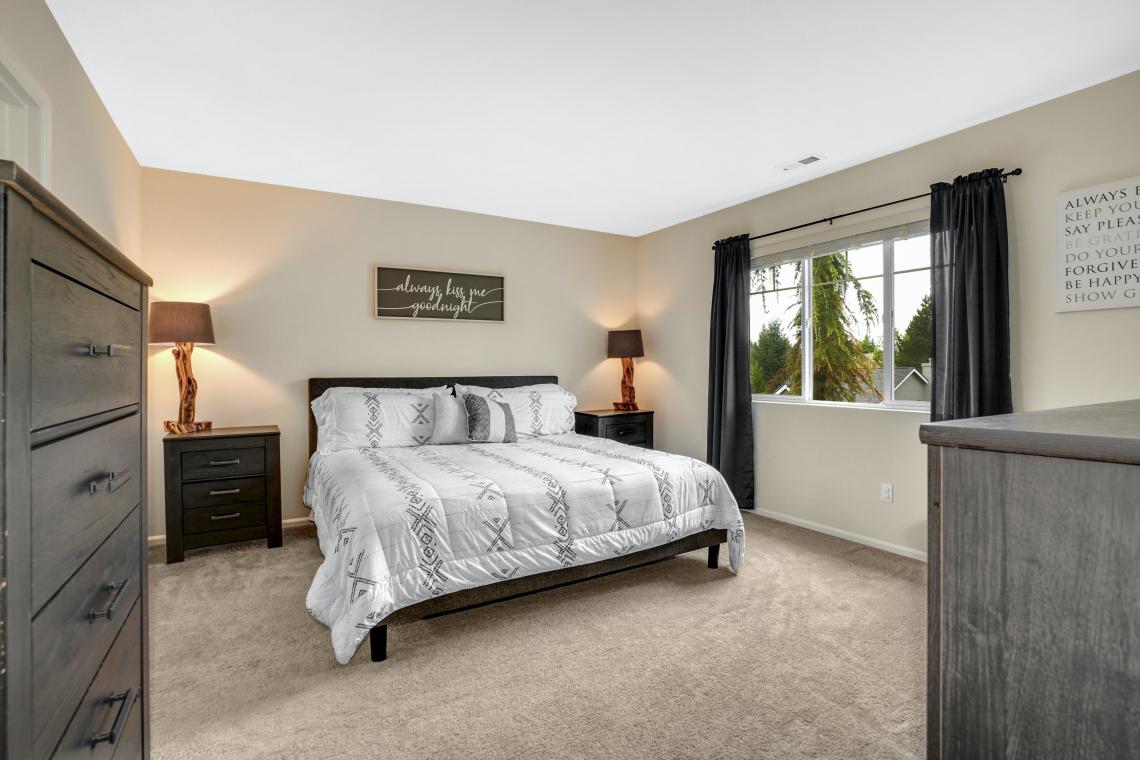 017-Master-Bedroom