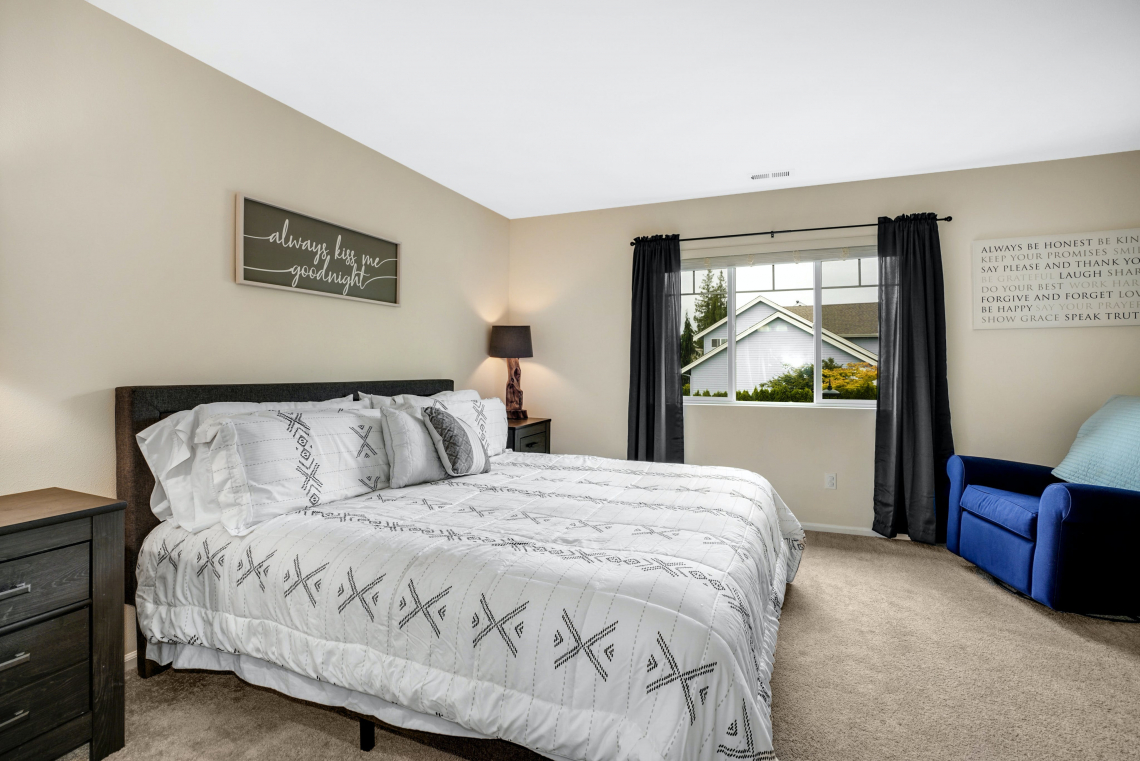 019-Master-Bedroom