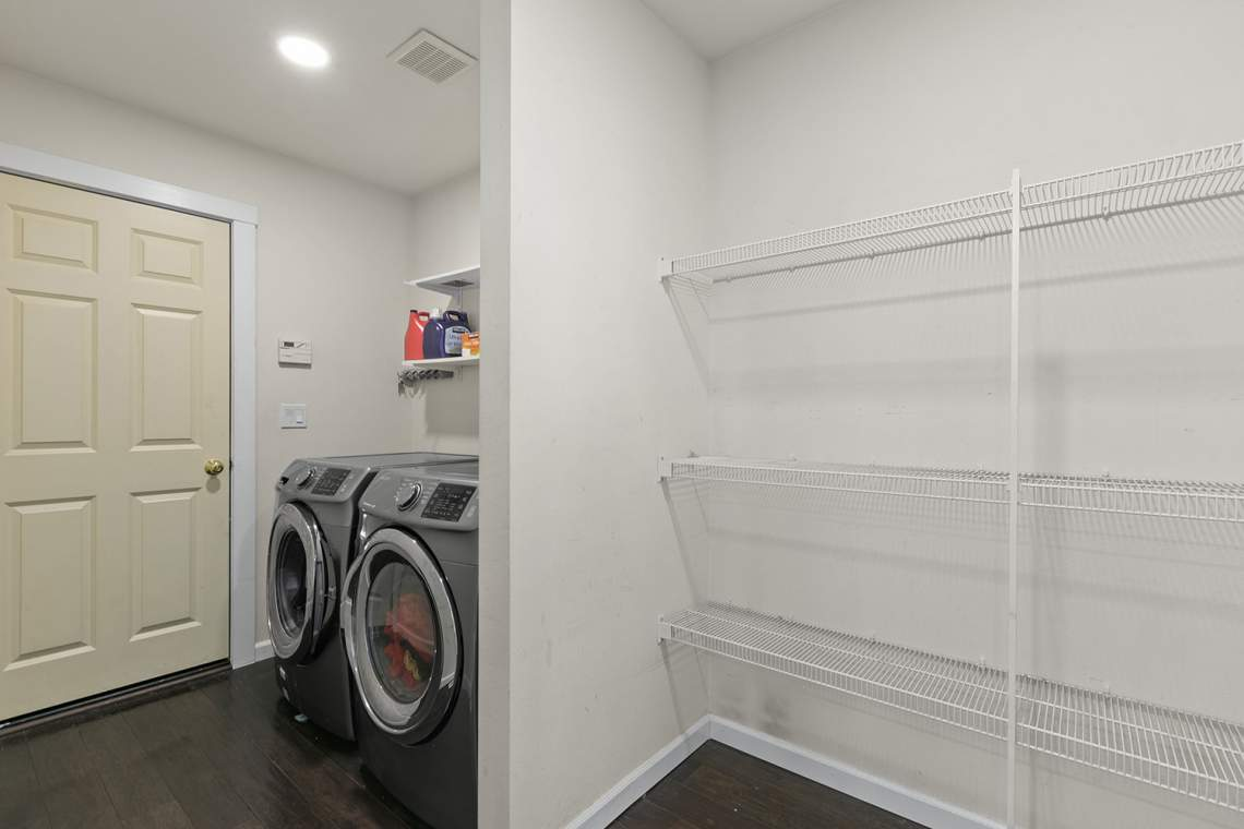 17-Laundry-and-Pantry