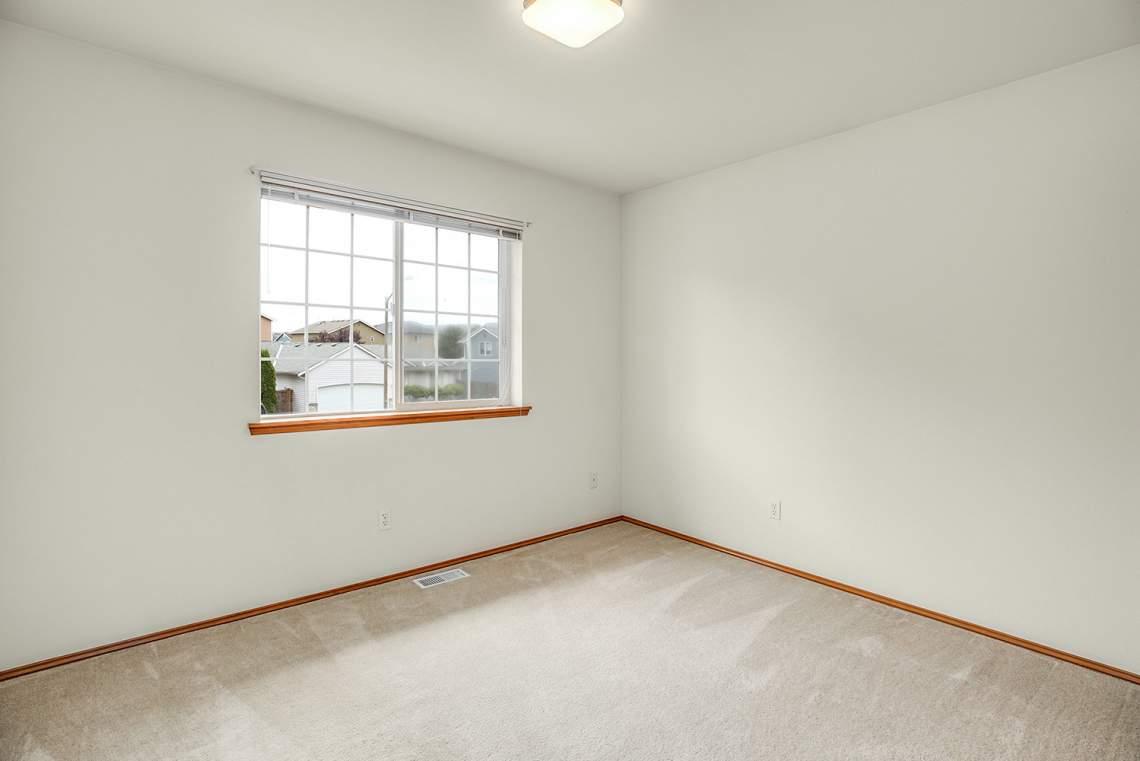 17-Bedroom