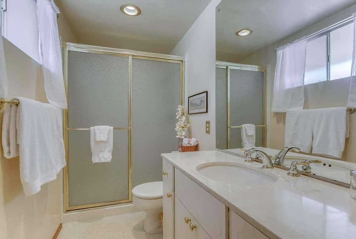 015_Master-Bathroom
