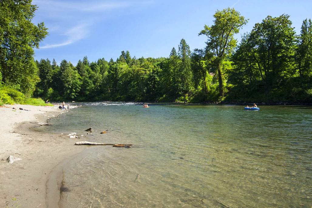 Floating down Snoqualmie River