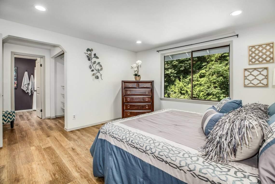 16-Masters-Bedroom