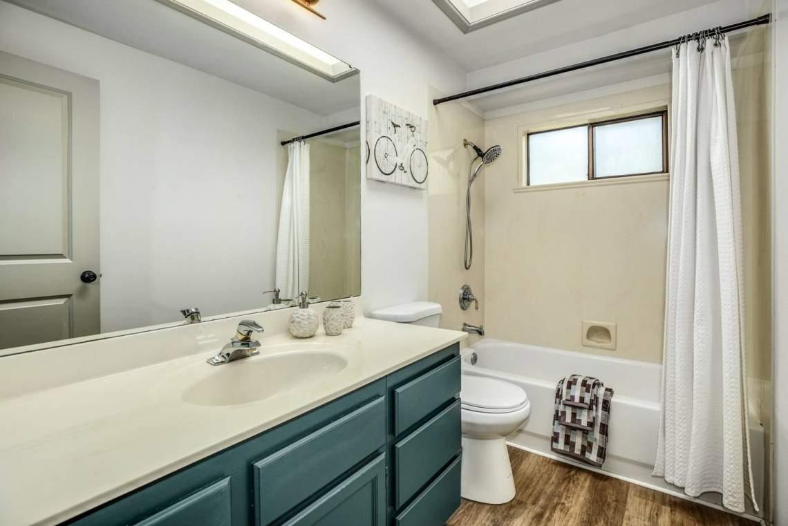 21-Common-Bathroom