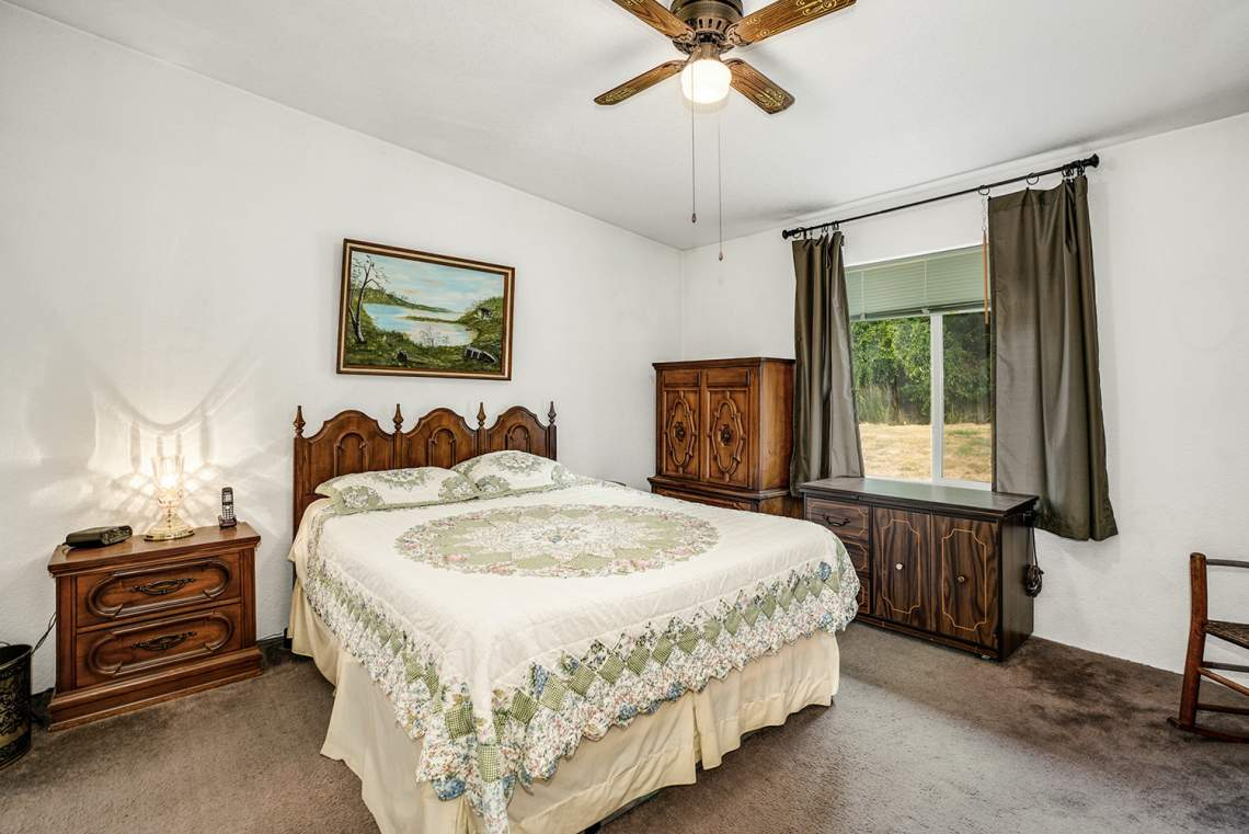31-Primary-Bedroom