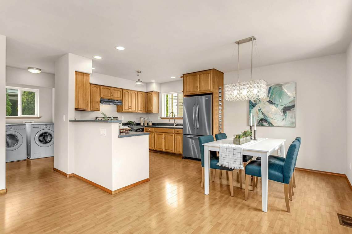 06-Dining-Room-and-Kitchen