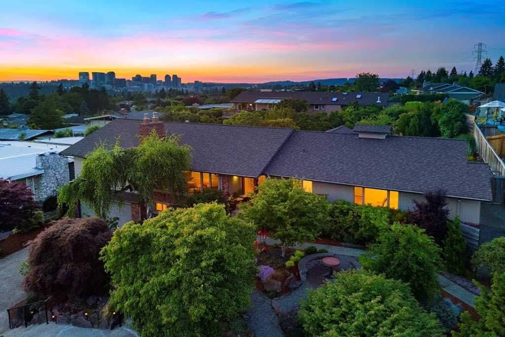 Woodridge Neighborhood with view of Bellevue in background